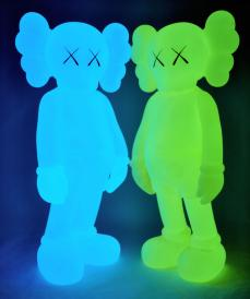 kaws-companion-5years-blue-22.jpg