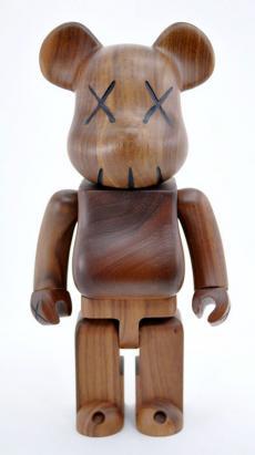 kaws-karimoku-bearbrick-10.jpg