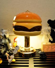 uc-humburger-light-06.jpg