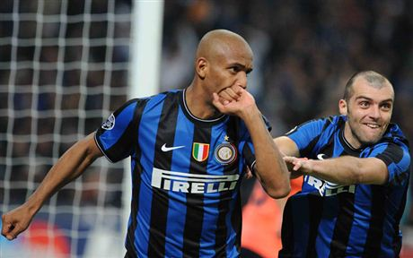 inter_barcellona_maicon_pandev_lp_R.jpg