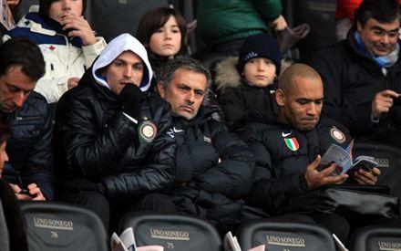 udinese_inter_mourinho_tribuna_stadio_friuli_R.jpg