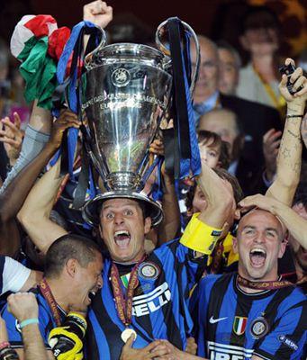 zanetti_champions_in_testa.jpg