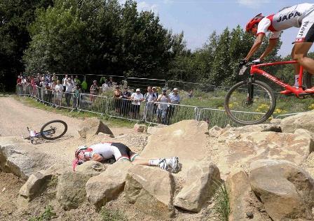 pb-120812-mountain-bike-wreck-js-2_photoblog900.jpg
