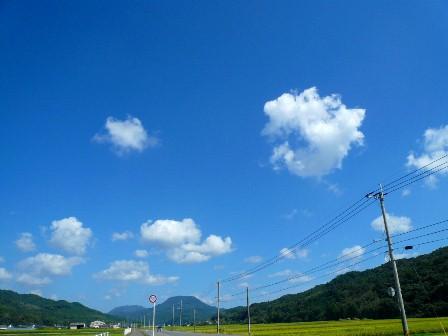 3国東道路からイシカミ雲2P1010246