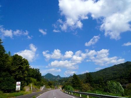 4国東道路からイシカミ雲3P1010247
