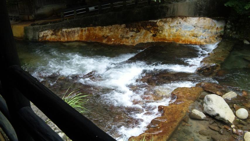 代官の湯の川淵