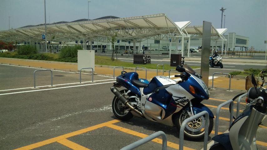 空港の駐輪場はさびしい
