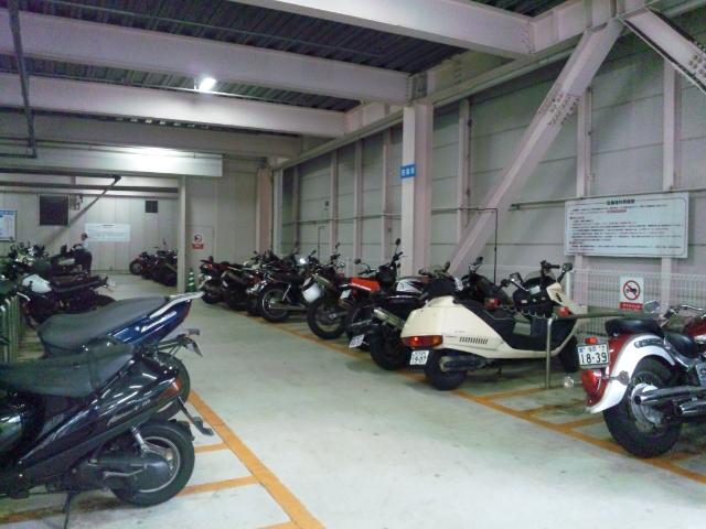 VIVIの駐輪場は管理人もいて安心