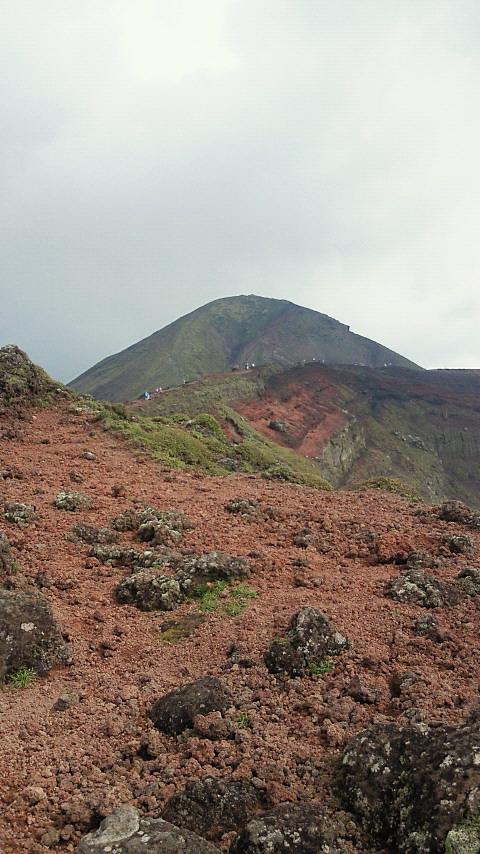 高千穂峰も登って降りれば