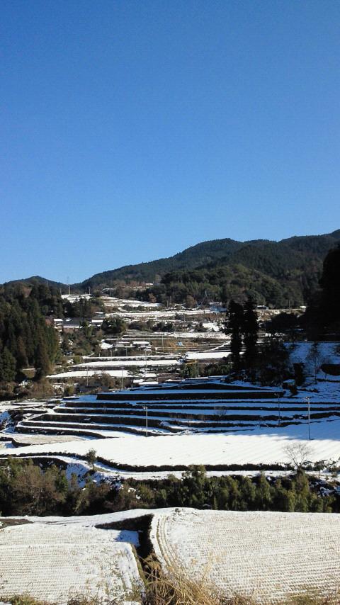 雪の田舎と真っ青な空!!