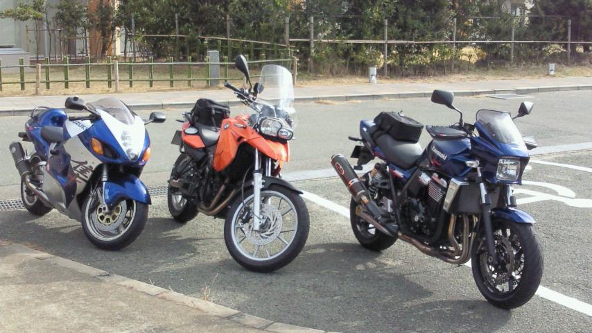 志賀島駐屯でバイクフリークとだべる、気温2度?
