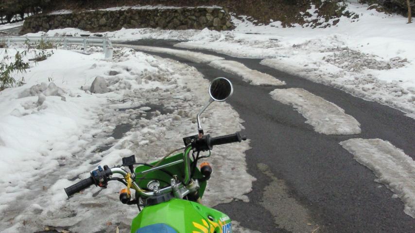 サンビレッジ茜への雪道
