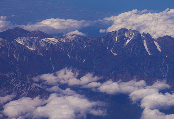 剱岳の万年雪と新雪