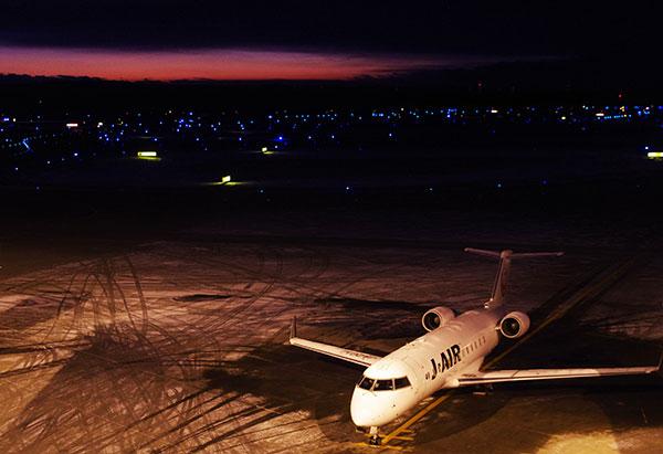 新千歳空港で出発を待つ飛行機