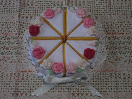 フェルト手芸 ウェディングケーキ 2