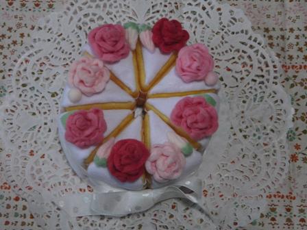 フェルト手芸 ウェディングケーキ 3