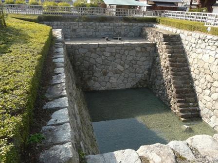 松山城二之丸史跡庭園 大井戸