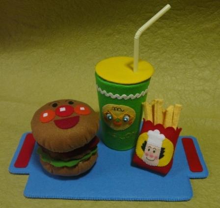 アンパンマンのハンバーガーセット 9