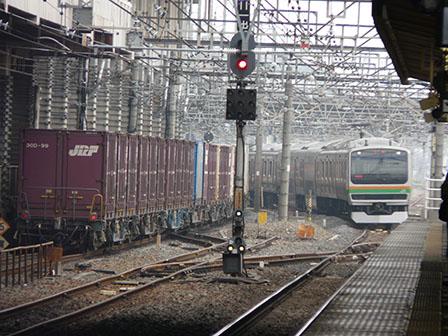 JR小山駅 貨物列車 & E231系電車