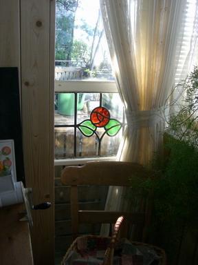 窓際ステンドグラス