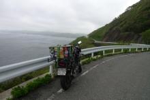 ばんちゃんの旅案内 -日本全国自走の旅--韓国を望む農道