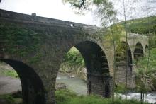 ばんちゃんの旅案内 -日本全国自走の旅--院内の石橋