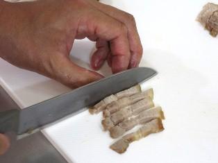 ②肉スティック切り