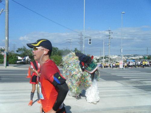 2011_1205NAHAマラソン0125