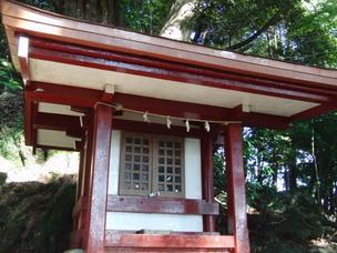 白山神社。