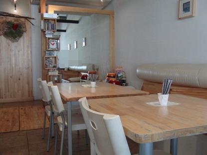 1 Cafe店内