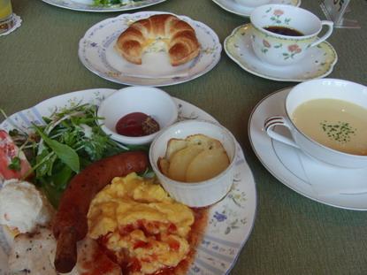 2011-08-11 ホワイトサドル朝食