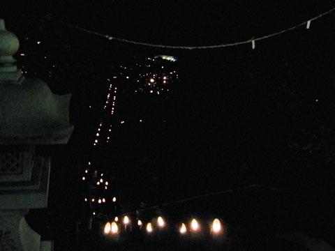 暗闇に浮かぶ厳島神社