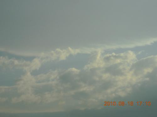 DSCN1187_2010.8.16 高速から見つけた雲