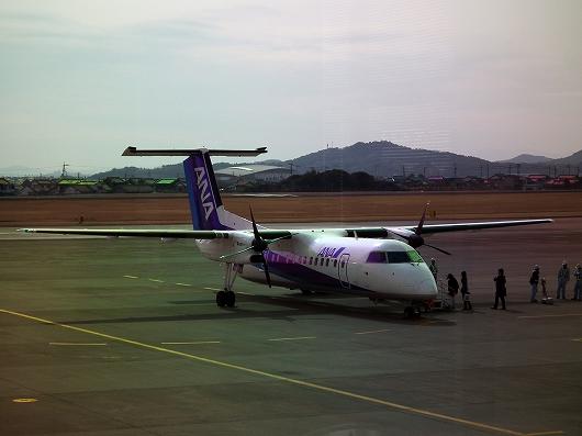 プロペラ機1-20120303