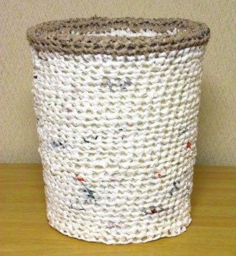 プラバッグ裂き編みのダストボックスカバー