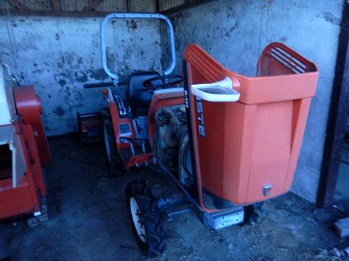 2014.10.3 トラクターで耕作 008 (2)