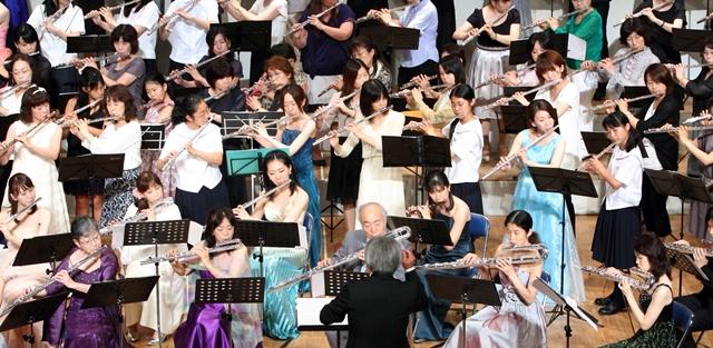 100人のフルートオーケストラ2012