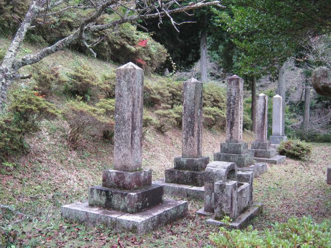 変換 ~ 福知山陸軍墓地