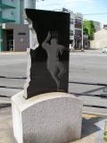 JR佐古駅 徳島石材産業製の石像 阿波踊り