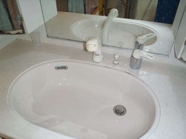 洗面化粧台before