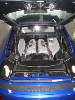 Audi R8(4.2L V8 FSIエンジン)