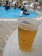 私はビールで!