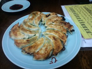 オバちゃんが日本一と豪語される餃子