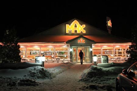 Max 01