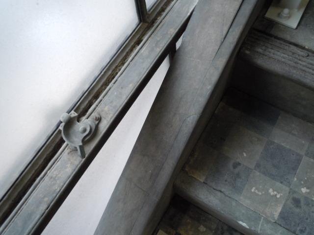 南海ビルディング 階段2