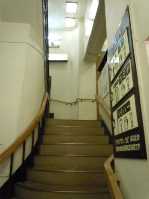 神谷バー 階段
