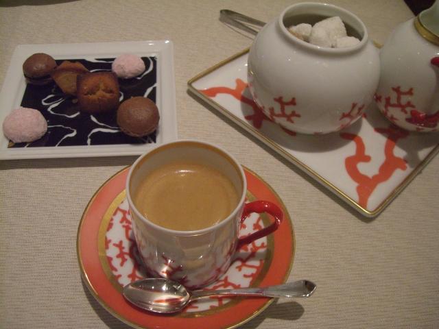 カフェとプティフール