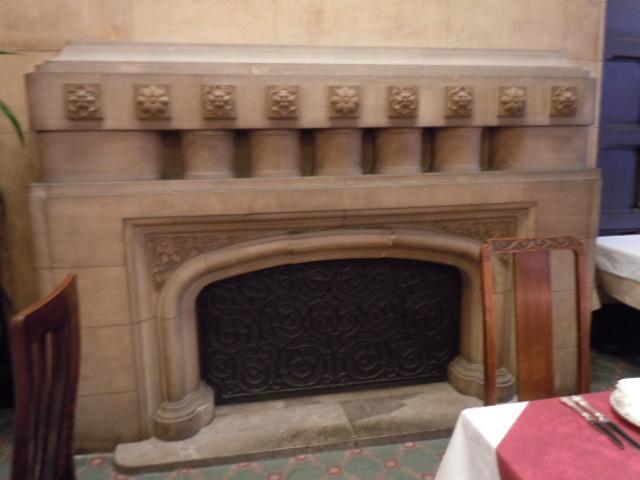 ラタン・暖炉