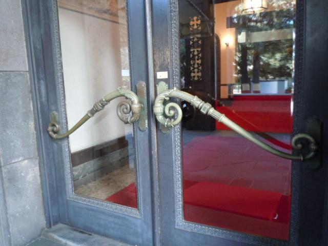 李王家東京邸・玄関(外側)