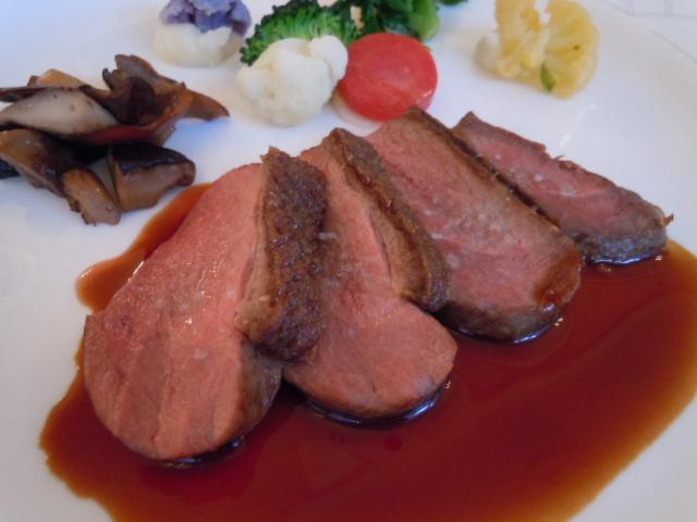 シャラン産鴨胸肉のエギュエット